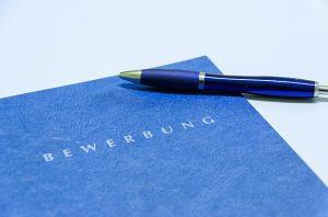 Berufseinsteiger, -umsteiger und -aufsteiger: Unterschiede bei der Bewerbungsstrategie
