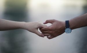 """Liebe am Arbeitsplatz: Wenn aus dem Abteilungsleiter plötzlich """"Hasi"""" wird"""